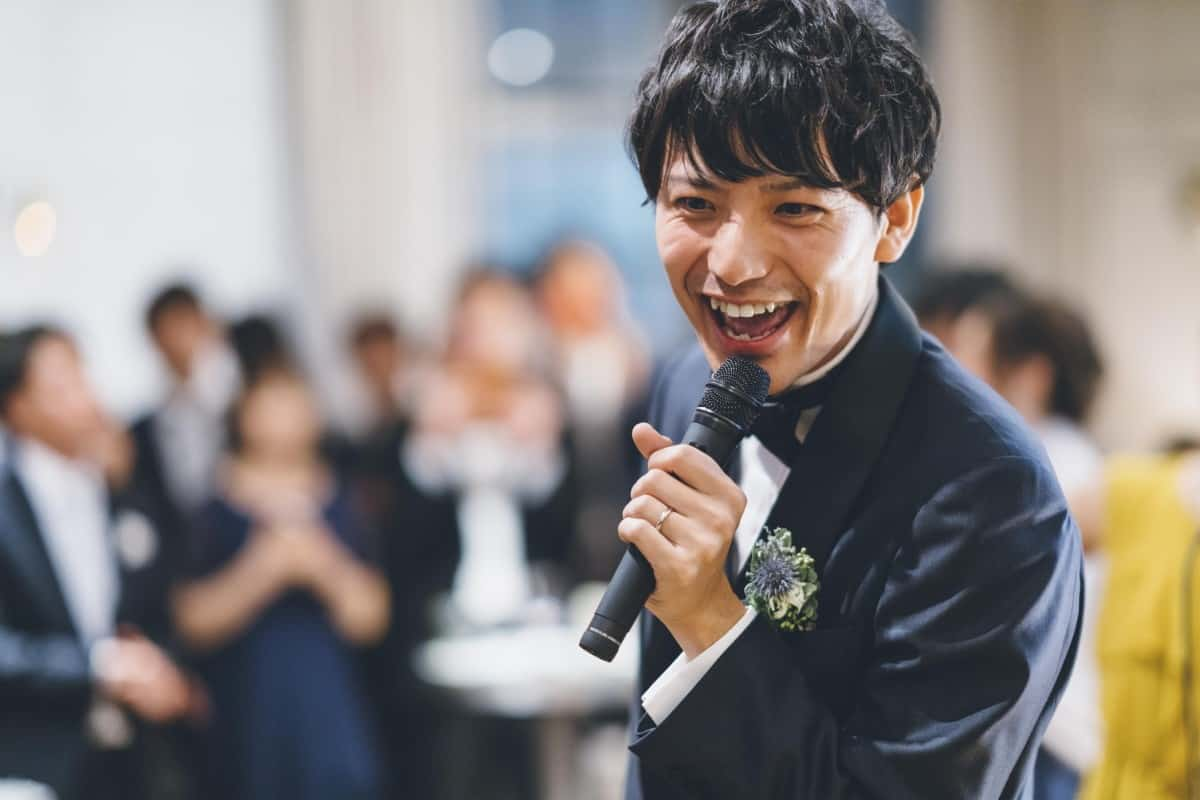 結婚式二次会をクイズで盛り上げ!新郎新婦の鉄板ネタからゲスト参加型のゲーム形式まで問題例100通りのカバー写真