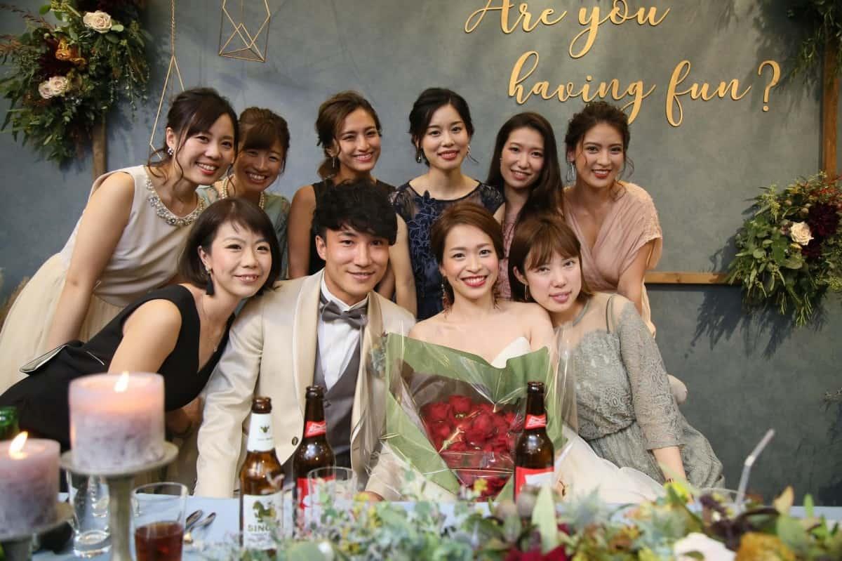 結婚式のお呼ばれ♡ノースリーブドレスはNG!?おすすめコーデとドレスマナーのカバー写真