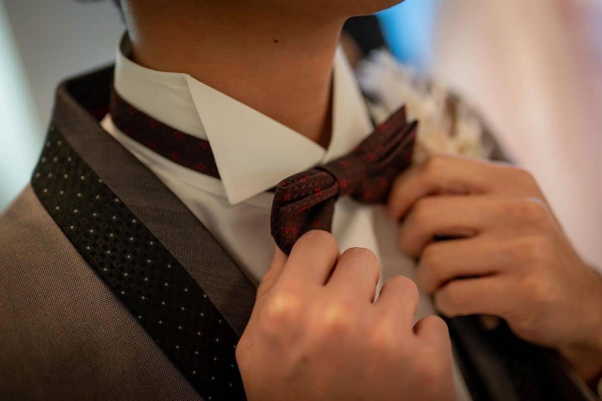 結婚式にグレースーツで参加したい!選ぶコツ&おすすめ着こなし特集のカバー写真 0.6666666666666666