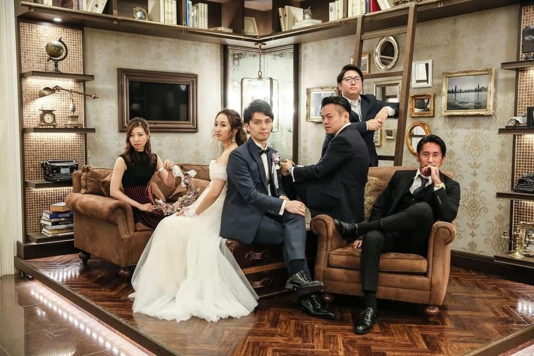 【メンズ】結婚式二次会、男性ゲストの服装は?基本マナー&おすすめコーデはこれ!のカバー写真