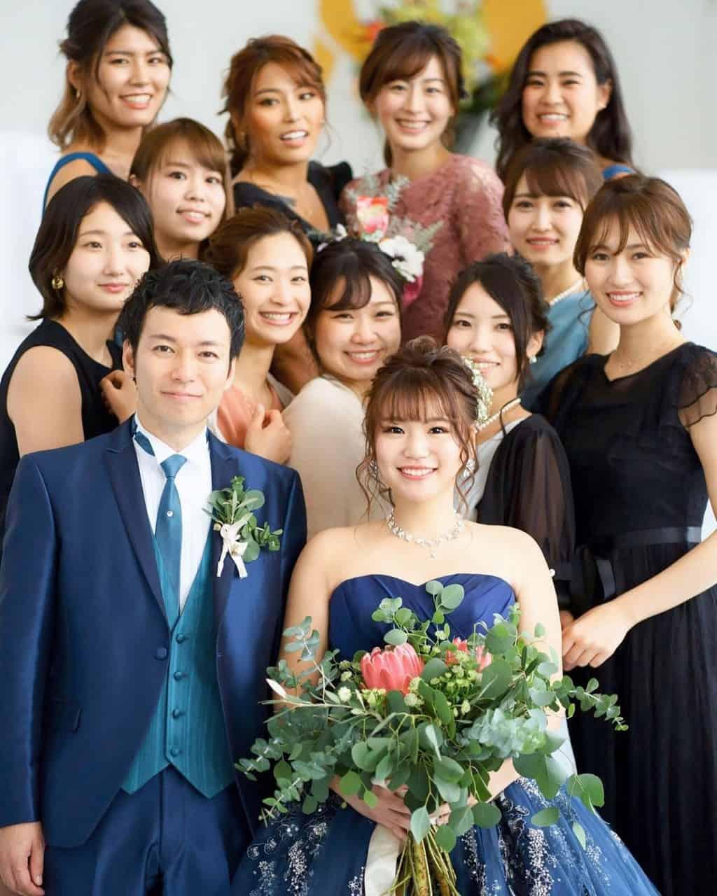 結婚式お呼ばれドレスはタイトでもOK?おすすめドレス&コーデ9選のカバー写真 1.25
