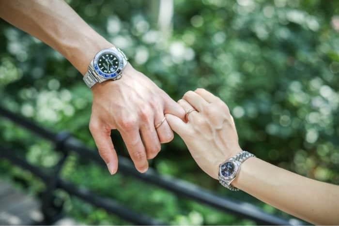 婚約時計の費用・選び方まとめ*おすすめブランド・アイテム8選♡のカバー写真 0.6671428571428571