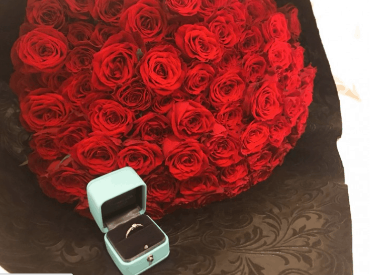 108本のバラでプロポーズ!本数の意味や値段をご紹介♡のカバー写真 0.7048969072164949