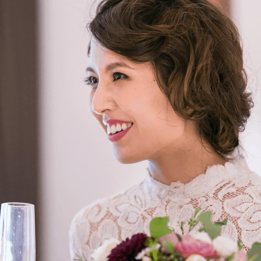レトロ可愛い『クラシックヘア』に大注目!個性派花嫁のアレンジ12選♡のカバー写真 1