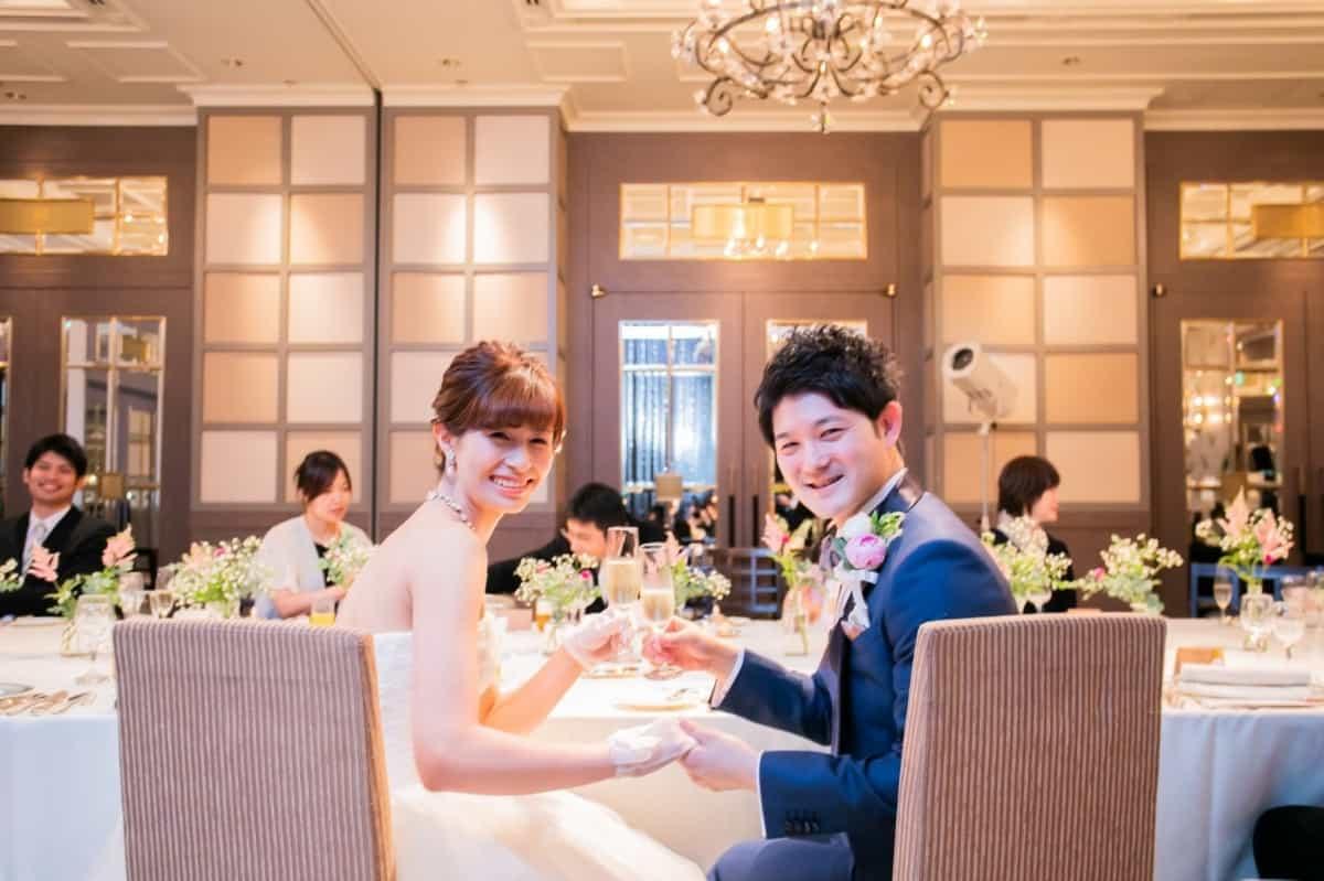 【親族のみ・少人数】結婚式を食事会スタイルで♡魅力や服装、おすすめの演出をご紹介♡のカバー写真 0.6658333333333334