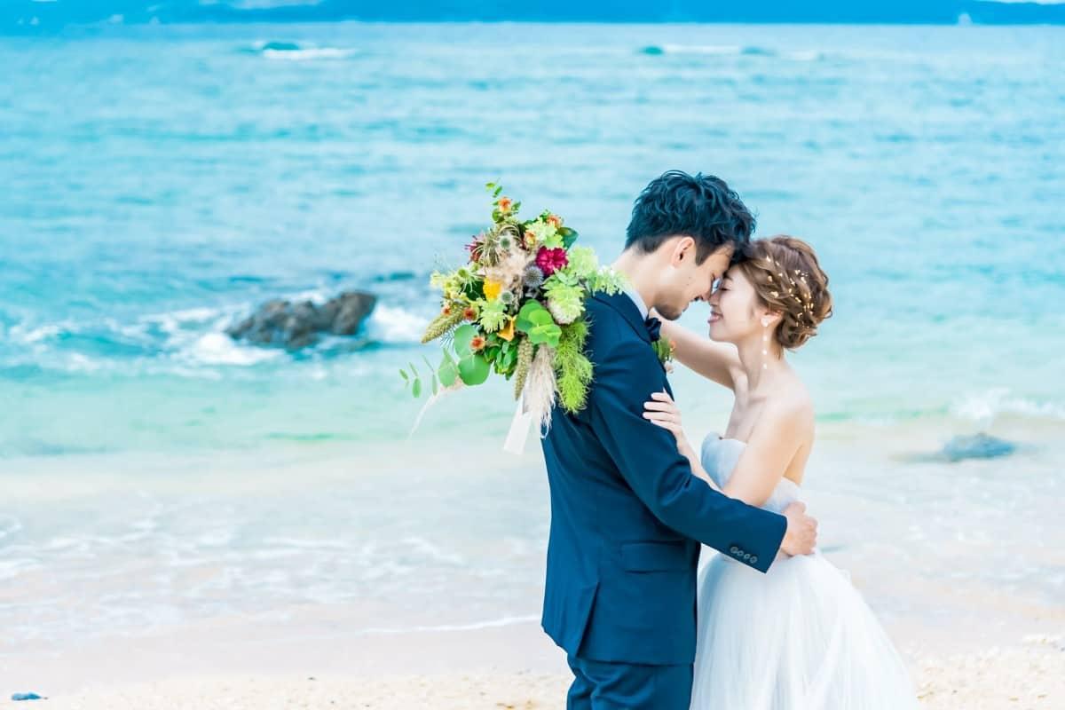 節約の裏ワザ!結婚式の見積もりが安くなる時期・コツとは?のカバー写真 0.6666666666666666