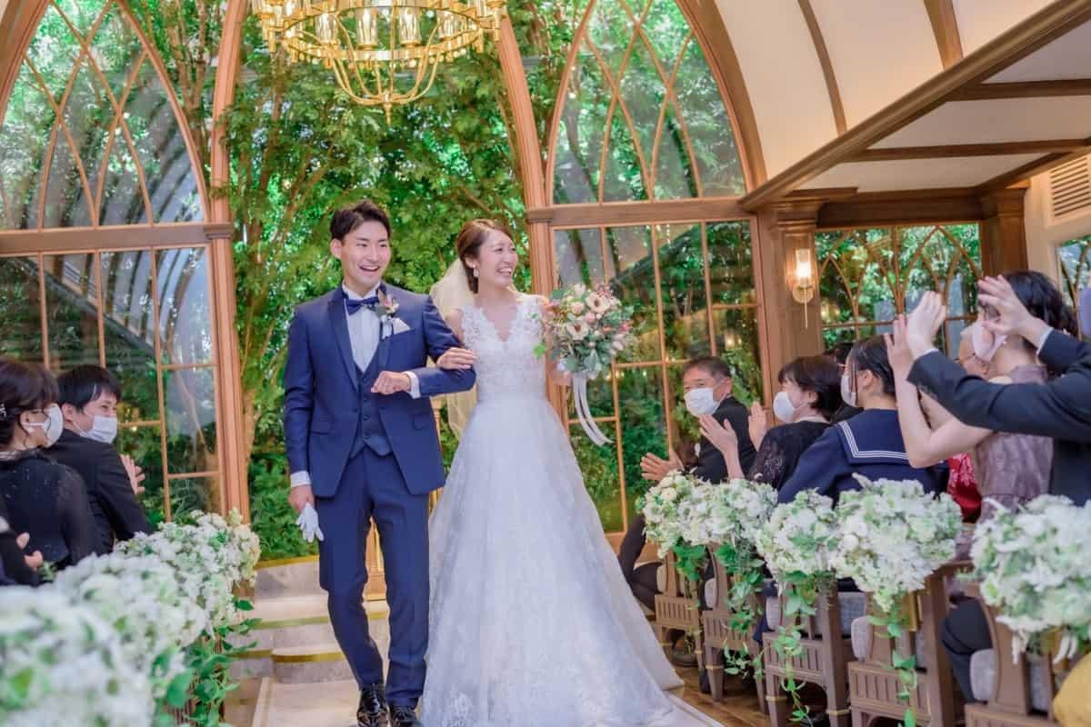 【結婚式にピッタリなマスク特集】お祝いの席では特別なマスクを♡のカバー写真 0.6666666666666666