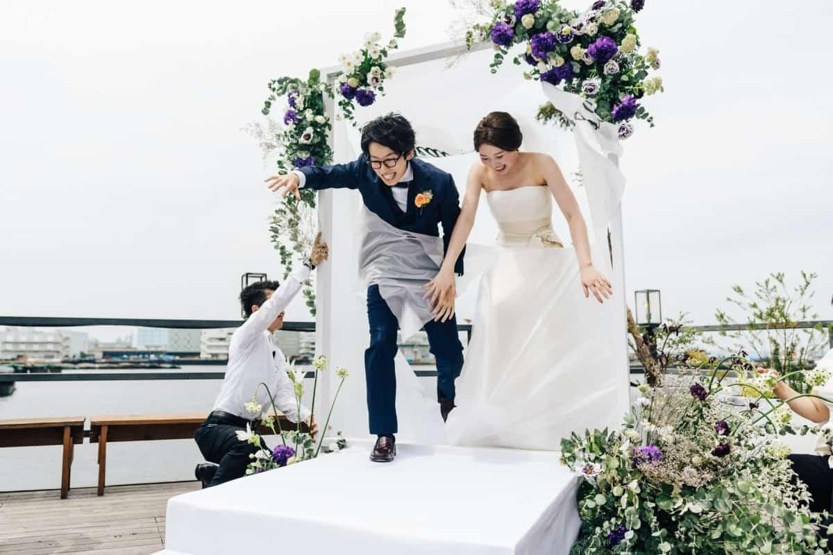 変わった結婚式がしたい!個性派カップル必見*普通とは一味違う結婚式スタイル&演出特集のカバー写真 0.6666666666666666