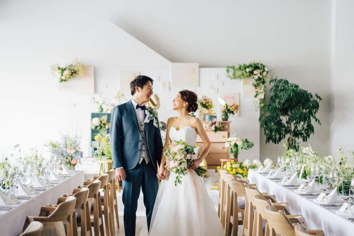 ≪結婚式の見積もりの見方≫相場もチェックして賢く節約しよう♡のカバー写真 0.6666666666666666