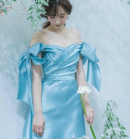 カラードレス迷子さん必見!今、絶対に着たい♡『Leaf for Brides』のオフショルダードレス*のカバー写真