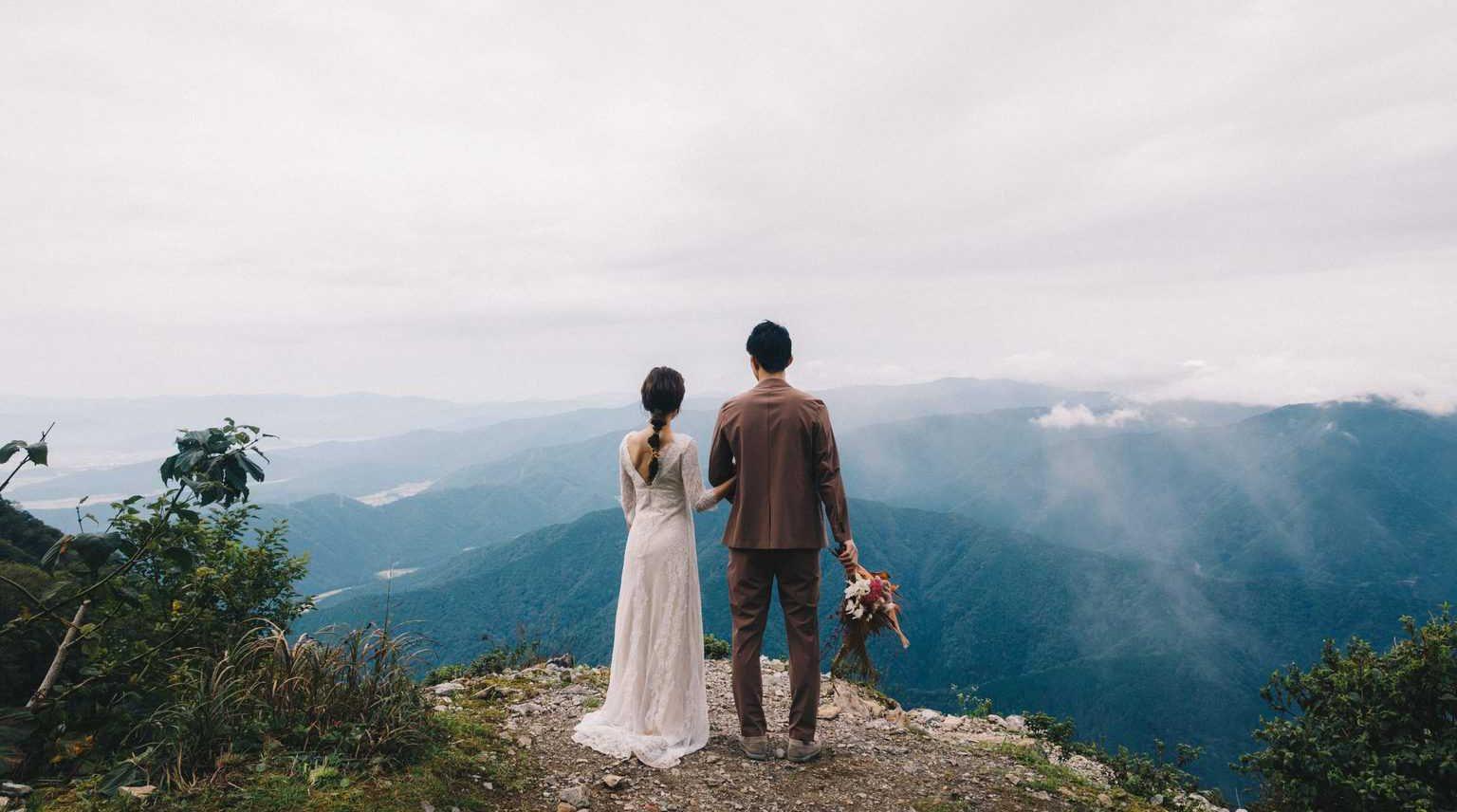 おしゃれな結婚式を挙げたい花嫁必見!オリジナルウェディングを上手に叶える方法って?のカバー写真 0.5572916666666666