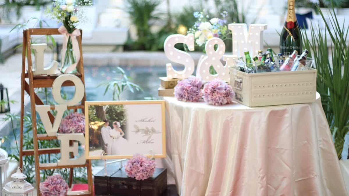 節約花嫁さん必見!『フリマアプリ』でお得に揃えられる結婚式アイテム35選のカバー写真 0.5625
