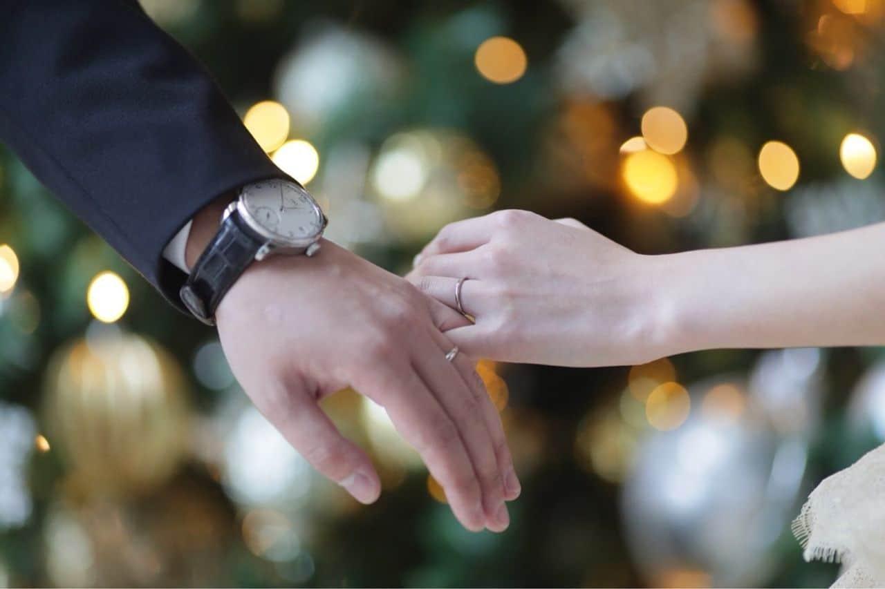Chrono24の腕時計スペシャリストがおすすめする!婚約指輪のお返しにぴったりの腕時計9選♡のカバー写真 0.66640625