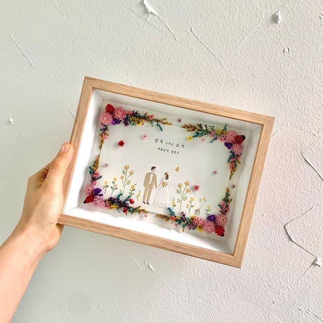 韓国で流行中!結婚式の「招待状」がインテリアに!?♡両親贈呈品にも*のカバー写真 1