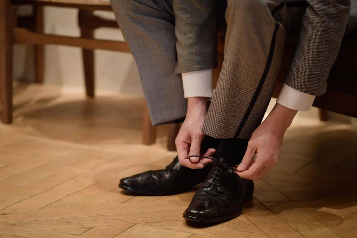 【編集部が厳選!】新郎もお洒落に*結婚式で履きたい新郎の靴ブランド10選のカバー写真 0.6666666666666666