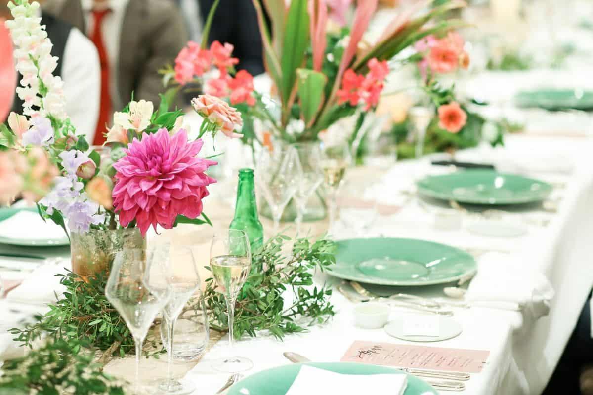 ゲストテーブルにはNG!?匂いがキツいお花を知っておこう!のカバー写真 0.6666666666666666